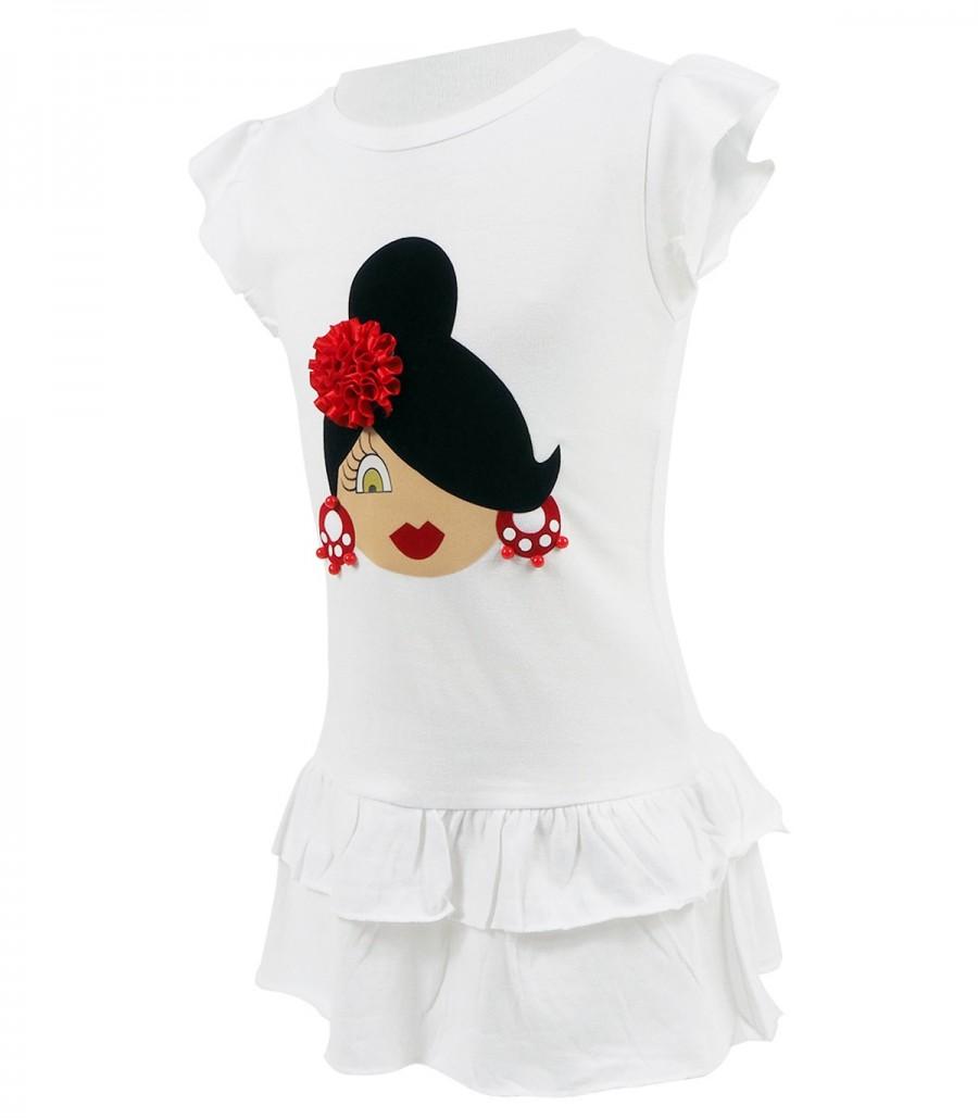Vestido blanco y flor roja
